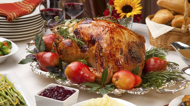 Thanksgiving Dinners: Take Out or Go Out