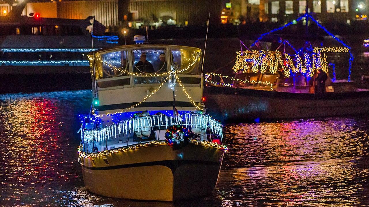 Boat_Parade_698_CREDIT_R_Kennedy_for_Visit_Alexandria_1280x720-1280x720-fd3f9037-1e7c-41b8-8d8b-7fe8af63f352