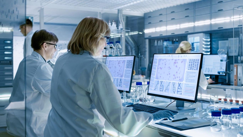 SG Lab Tech (istock)