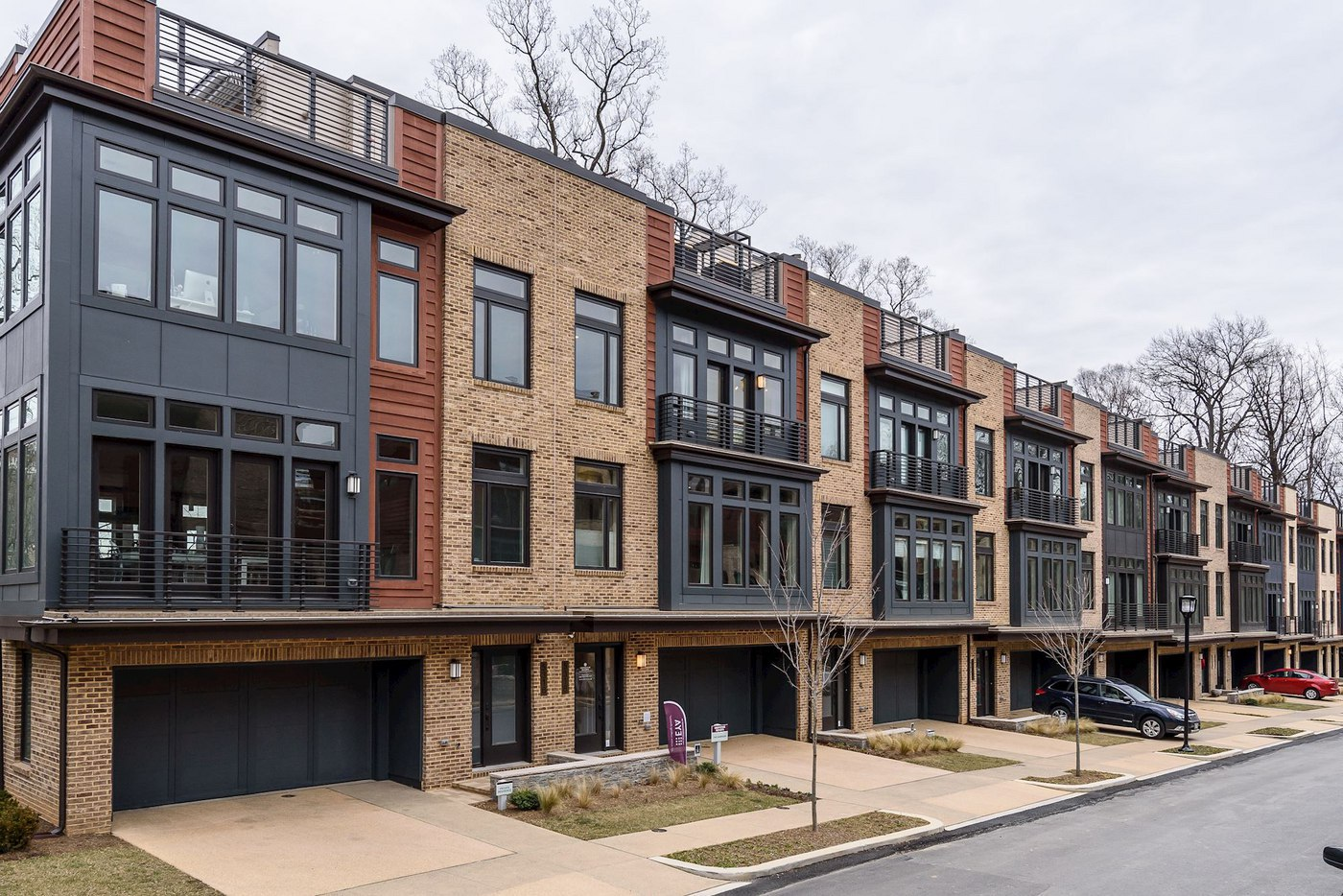 Townhouse or Condominium? Tips to Help You Make the Right Choice in the Bethesda Housing Market
