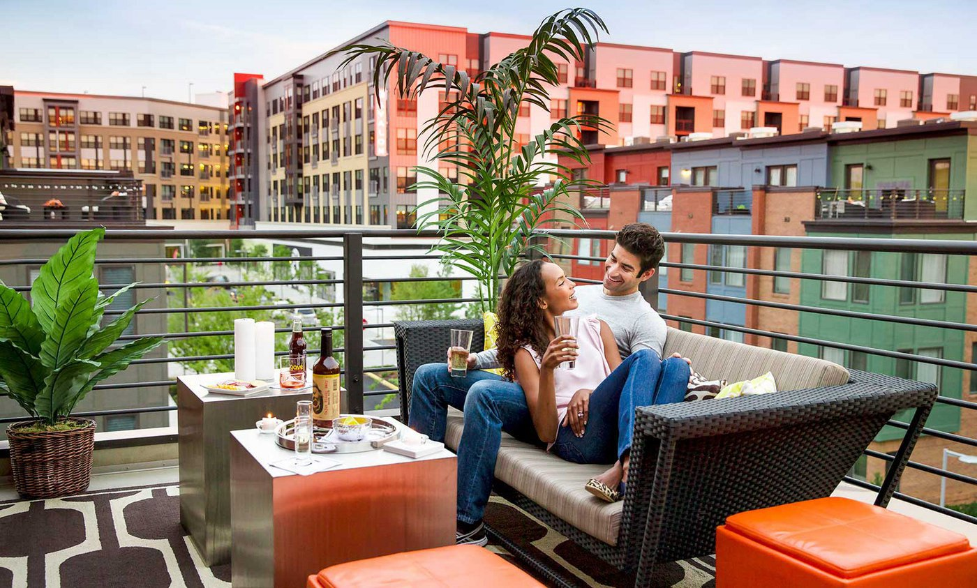 eyahomes-rooftop-terrace-couple
